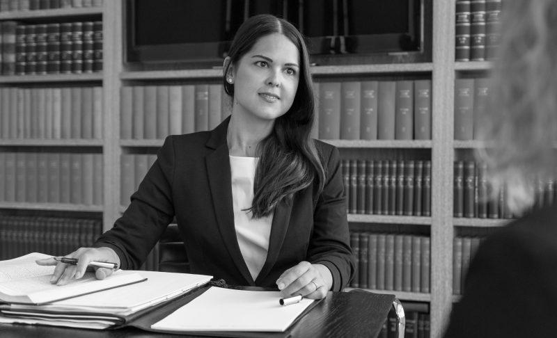 Dr. Lisa Blechschmitt, Rechtsanwältin